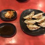 ぴかまつ - ギョウザ6個@250