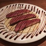 107755360 - こちらの定番、鴨胸肉のキャラメリゼ バルサミコソース