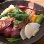 菜ころ - 「三重県産真ハタ姿蒸し+10種野菜」に春雨