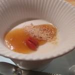 菜ころ - 日本酒と豆乳のパンナコッタ濃厚百花蜂蜜添え