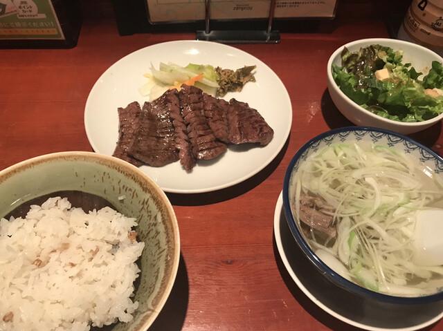 たんや 善治郎 , 牛たん定食 3枚(6切)(1,620円