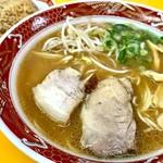中華そば にけんや伍長 - 料理写真:そば大盛 焼き飯