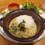 マンゴツリーカフェ - 鶏のグリーンミルクカレープレート1274円+食後のコーヒー302円 計1576円