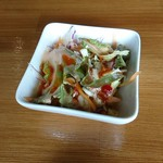 ALIYA - 野菜サラダ。何気に美味しかったです。