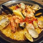 スペインバル Azul - 魚介のパエリア 小サイズ
