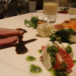 ナチュラルクイーン - コースの前菜プレート 一例