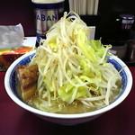 らーめん豚喜 - 小ラーメン680円ヤサイマシ