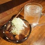鎌倉酒店 - 牛すじ肉豆腐+煮玉子、前割り焼酎(大)