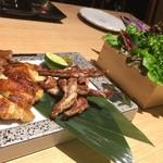107794967 - 彩野菜で巻いて食べる純系名古屋コーチン(もも肉、むね肉、せせり盛り合わせ)