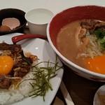 徳島ラーメン 麺王 - W玉子(笑)
