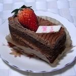 プティ・パトラン洋菓子店 - 苺のチョコショートケーキ