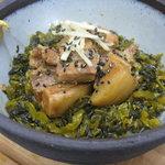 タビ カフェ - 『豚の角煮丼』 どんぶり3兄弟の三男・・・沖縄のラフテーを使った丼です。