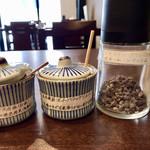 とんかつ瓢 - 3種類の岩塩