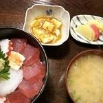 土産土法 さかな亭 - 海鮮丼 700円