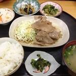 惣菜 おか - ブタのしょうがやき定食490円(第二回投稿分①)