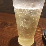 鉄板焼 昊 - 角玉梅酒。爽やかというより薄め。