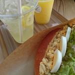 ハンド イン ハンド - 料理写真:たまごサンド・レモンスカッシュ・パイナップルスムージー