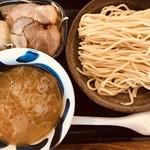 三ツ矢堂製麺 - 料理写真:マル得つけめん(中盛り)@1,020円