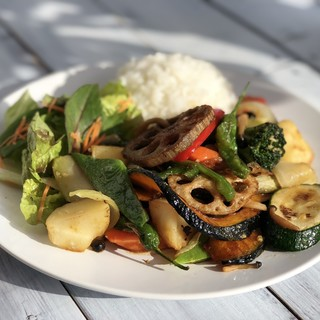 12種一日分野菜炒めや中落ち牛カルビ