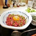 牛刺しと焼肉 仔虎 - 料理写真:ユッケ丼