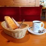 コメダ珈琲店 - 料理写真:選べるモーニングB(手作りたまごペースト)とブレンドコーヒー