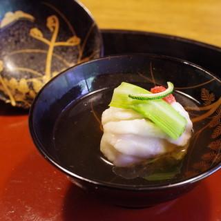 草如庵 - 料理写真:椀もの:鮎並、若芽真薯