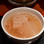 めしの助 - 【海鮮丼(大)@1,800円】大根の煮物