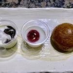 焼にく 和牛食堂 - デザートは、まんじゅうもあります