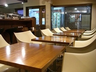 カフェ エウル - 綺麗な店内