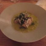 エスタシオン - 「蛤・帆立のテリーヌと白魚、塩豚と蕪の取り合わせ」