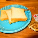 107850245 - モーニングセット 600円(税込)のパンなど【2019年5月】