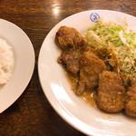 ビクトリヤ - 名物ヒレしょうが焼きランチ お肉も柔らかく、しょうがのタレが奥深い