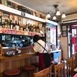 ビクトリヤ - 昭和レトロな店内に ジャズが心地良く流れています