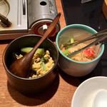 107861056 - ランチにつく2種の惣菜