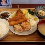 定食酒場 二代目なすび - ミックスフライ定食840円+税