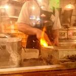 中国ラーメン揚州商人 - 内観2 調理の様子
