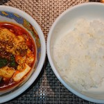 107871570 - 陳マーボー豆腐とご飯