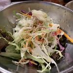 警固ヤキトン - お酢ベースのさっぱりサラダ