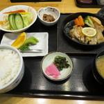 レストラン 海朱 - グリルドチキン定食
