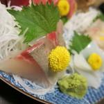 和食、日本料理「南房」 - カンパチ アップ