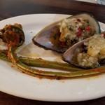 ヴェネツィア酒場 Ombra - パーナ貝の玉ねぎオイル漬け&こごみのトマト和え