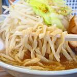 らぁめん伊山 - 大麺平打ち麺