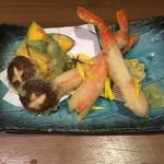 107897809 - 豪華蟹と野菜の天麩羅盛り合わせ