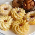 MOGMOG Doughnut Factory - 横浜みなとみらいのモグモグドーナッツファクトリーのドーナツ
