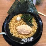 横浜家系ラーメン 町田商店 - 料理写真:ラーメン