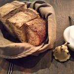Boulangerie Bistro EPEE - カンパーニュ