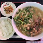 107903504 - 炙り味噌コロチャと10種の野菜ラーメン ¥790 + 半ライス 無料