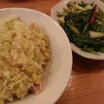 107908266 - 青菜炒めと、葱油鶏