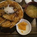 豚公司 堀江 - 帯広 ぶた丼 680円