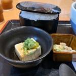 107912423 - 定食のご飯と小鉢